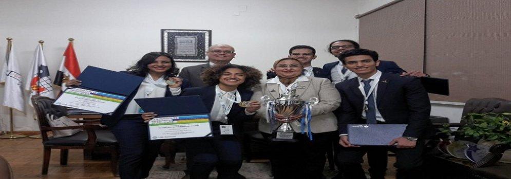 جامعة عين شمس تفوز بالمركز الاول في التحدي الوطني للبحوث في الاتحاد الافريقي